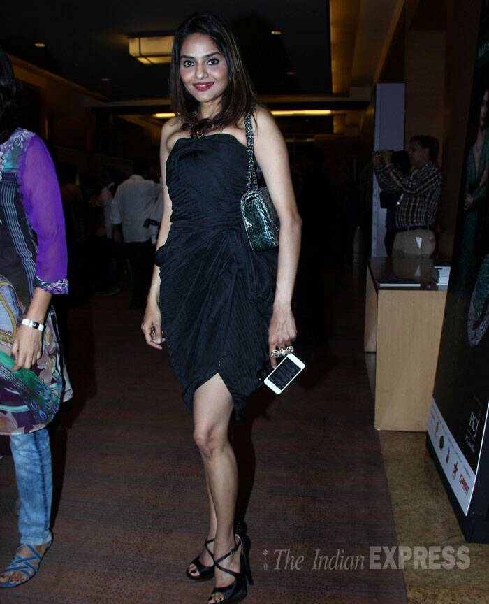 Actress Madhoo showed off her legs in a little black dress with strappy heels as she arrived for the Golecha Jewellery Show. (Source: Varinder Chawla)