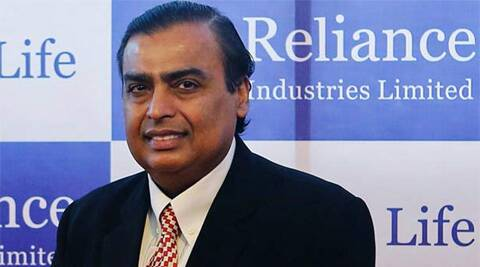 Bloomberg consensus of RIL's earnings estimates for the first quarter of FY15 pegs the company's estimated net profit at Rs 5,434 crore.