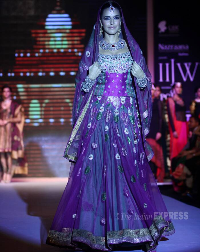 Former Miss India, dressed as the 'Royal Bride', was exuding panache as she walked down the ramp for Gitanjali jewels. (Source: Varinder Chawla)
