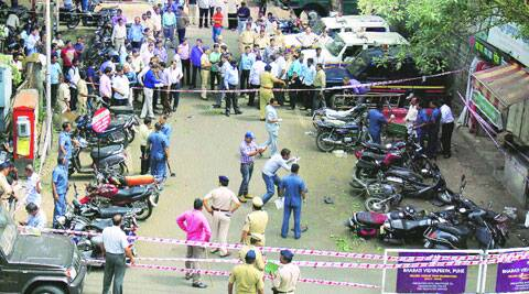 The spot outside Faraskhana and Vishrambaug police stations where the motorcycle laden with an Improvised Explosive Device was parked on Thursday. (Source: Express photo by Arul Horizon)