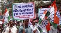 Congress workers stage protest against 'useless' RailBudget