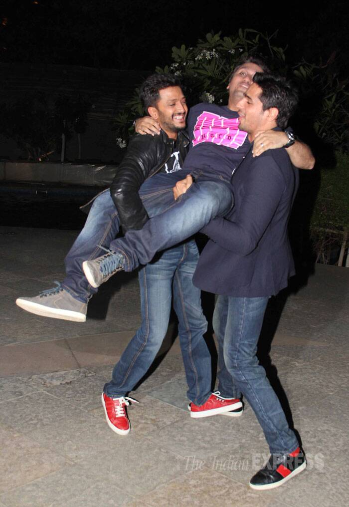 Sidharth, Riteish and Mohit have some fun. (Source: Varinder Chawla)