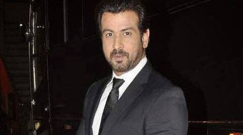 "Ronit Roy needs time to ""rediscover"" himself and so he has decided to switch off from social networking."