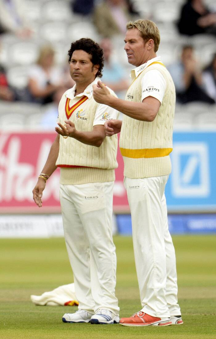 While there were many battles within this battle, the one everyone was waiting for was Shane Warne vs Sachin Tendulkar. It, however, didn't happen as the former suffered a fracture on his bowling arm after being hit by a Brett Lee delivery (Source: Reuters)