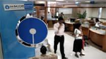 SBI takes lead, pares retail depositrates