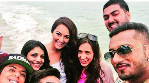 Sonakshi Sinha with Yo Yo Honey Singh and his team