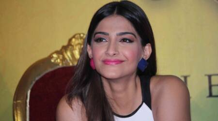 Sonam says that 'Anjan ki seeti' is a Rajasthani folk song and not a copy of Anu Malik song.