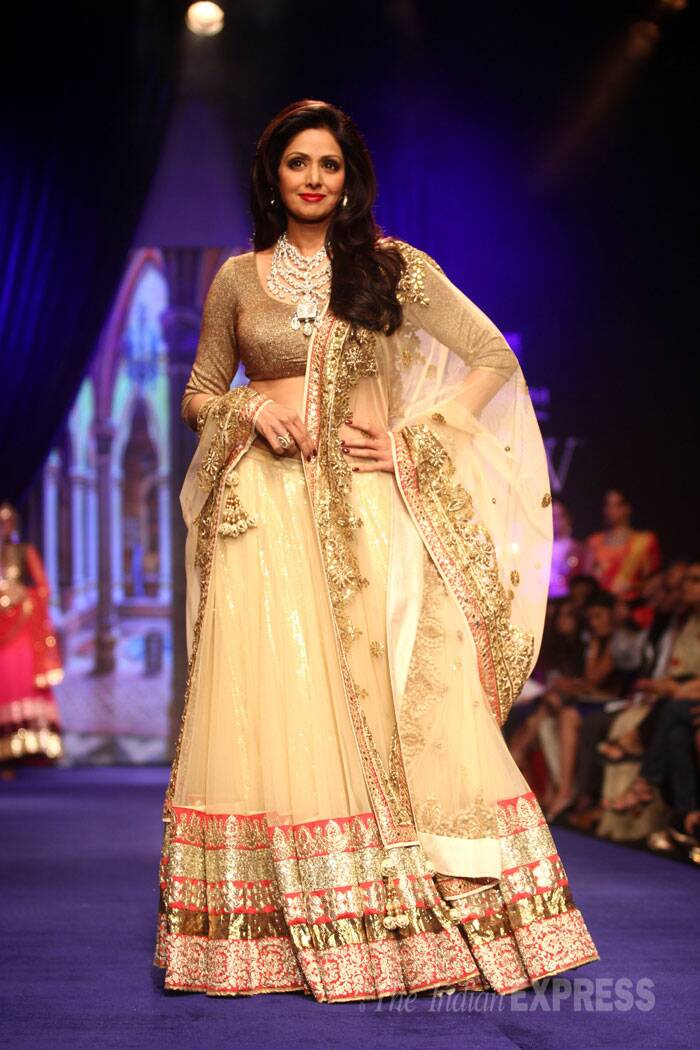 Bollywood beauty Sridevi dazzled in a gold lehenga by Vikram Phadnis as she walked the ramp for Golecha jewels. (Source: Varinder Chawla)