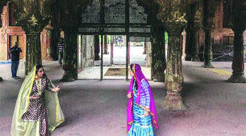 At Roshanara Gardens, history unfolds through a dialogue between two characters