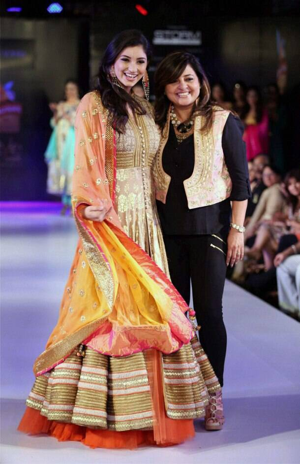 Stylish ramp beauties: Evelyn, Parvathy