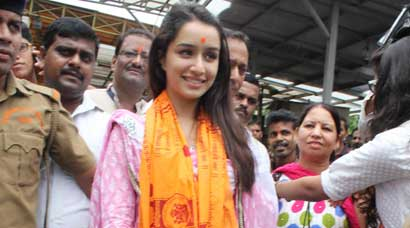 Post 'Ek Villain' success, Shraddha Kapoor prays at Siddhivinayak temple