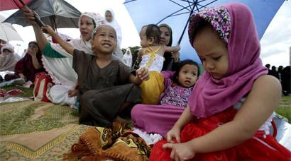 Gulf countries, Malaysia, Indonesia celebrate Eid