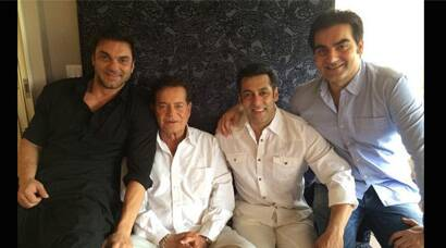 PHOTOS: Salman Khan celebrates Eid with family, friends as 'Kick'  enters Rs 100 cr club