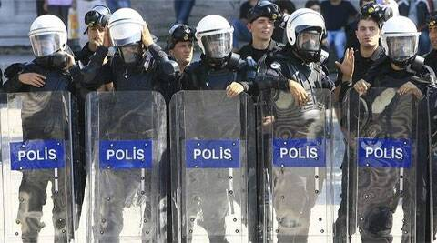 Forty serving and former top police officers were arrested in Istanbul. (Source: Reuters)