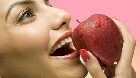 Eating an apple can help you get rid of garlic breath