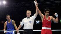 Vijender, Manoj punch their way into pre-quarters at CWG