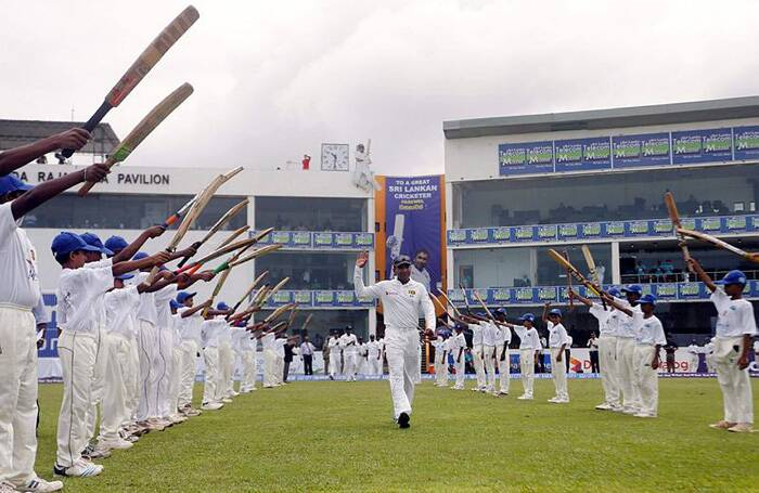 On the ocassion of his farewell Test, Mahela Jaywardene was given a Guard of Honour by school kids in Colombo. Jayawardene played 149 Tests for Sri Lanka. (Source: Reuters)