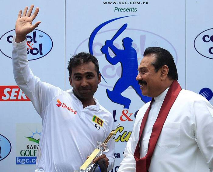 Sri Lanka's President Mahinda Rajapaksa graced the special occasion and felicitated Mahela Jaywardene. (Source: Reuters)
