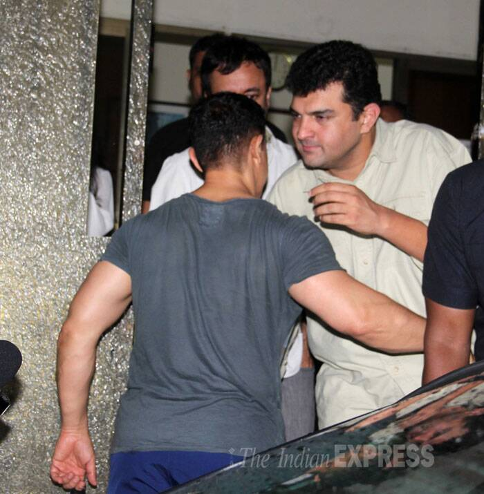 Aamir was also seen meeting with UTV's Siddharth Roy Kapur. (Source: Varinder Chawla)