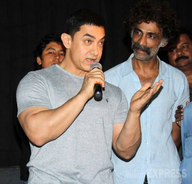 Aamir Khan, Varun Dhawan enjoy a movie outing