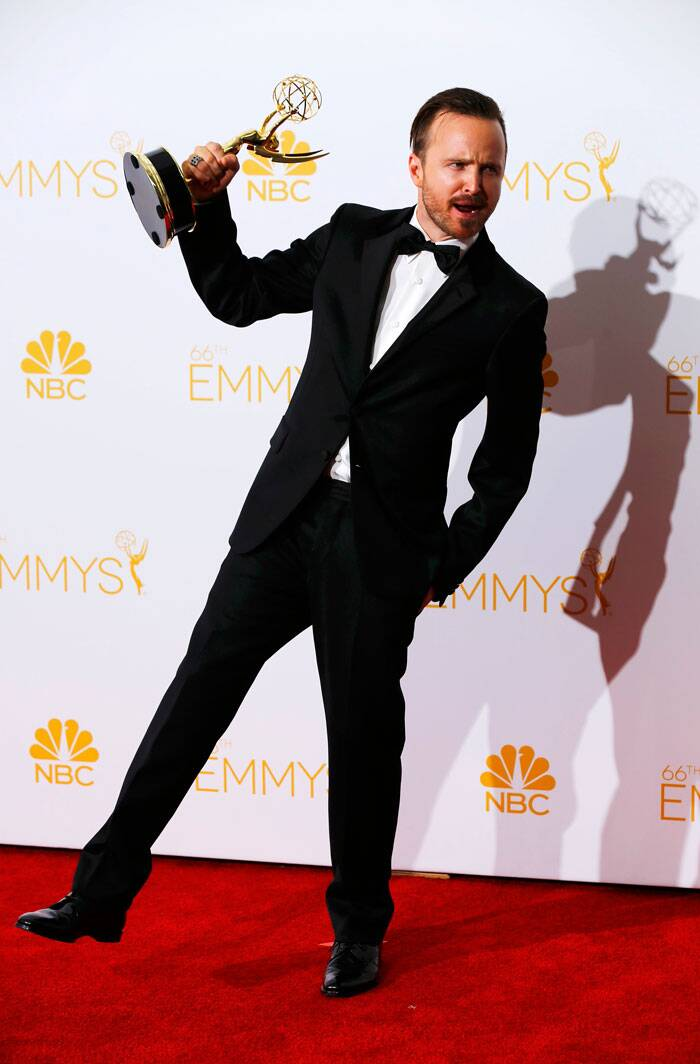 'Breaking Bad' actor Aaron Paul seems thrilled with his Emmy for the award-winning show. (Source: Reuters)
