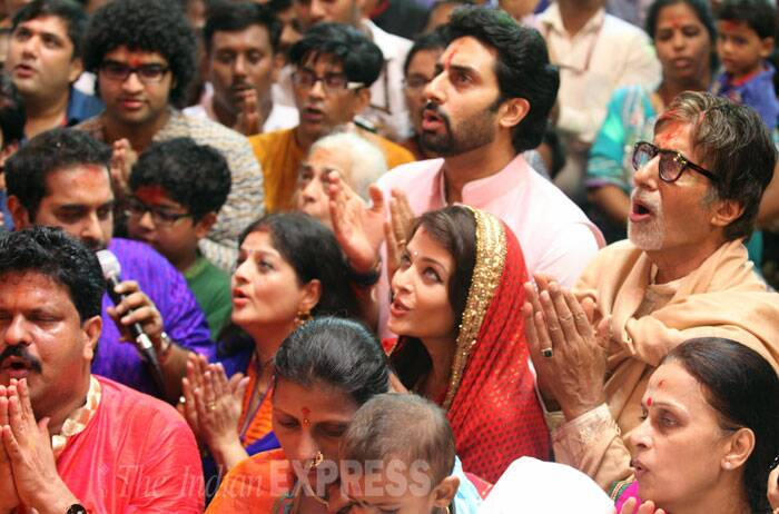 The Bachchans sing aarti for Lalbaugcha Raja. (Source: Express photo by Prashant Nadkar)
