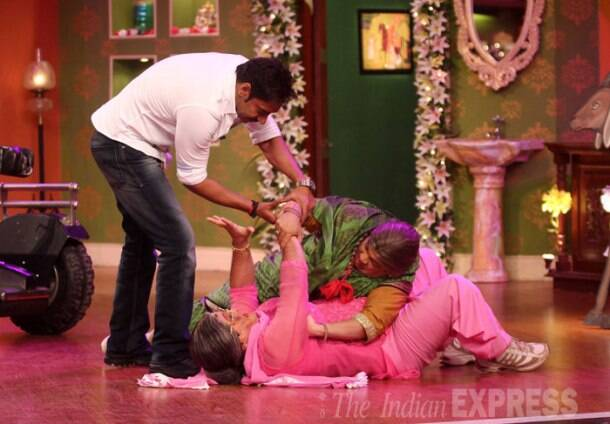 Dadi, Pankhuri fight for Ajay Devgn on Comedy Nights With Kapil