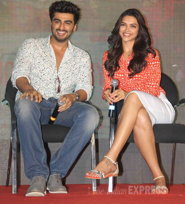 Both Arjun and Deepika were radiant and smiling at the promotional event for the film. (Source: Varinder Chawla)