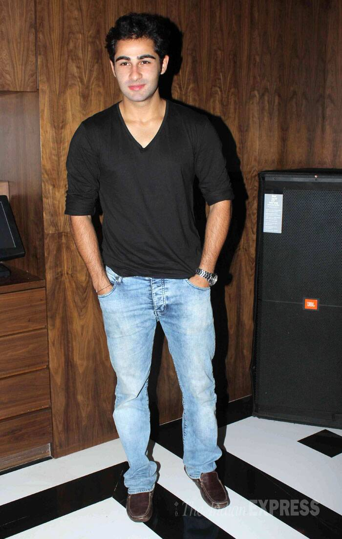 Newcomer and Raj Kapoor's grandson Armaan Jain, who recently appeared in 'Lekar Hum Deewana Dil', was casual in a black tee shirt with faded denims. (Source: Varinder Chawla)