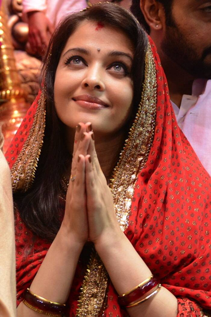 Father-in-law Amitabh Bachchan posted a pretty picture of bahu Aishwarya on his blog. (Source: Express photo by Prashant Nadkar)