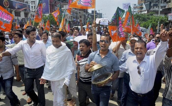 Activists of Akhil Bharatiya Vidyarthi Parishad (ABVP) taking out a mock funeral procession of Congress government during the 12 hour Assam bandh in Guwahati on Thursday over killing of Assamese people in Assam-Nagaland border areas. (Source: PTI)