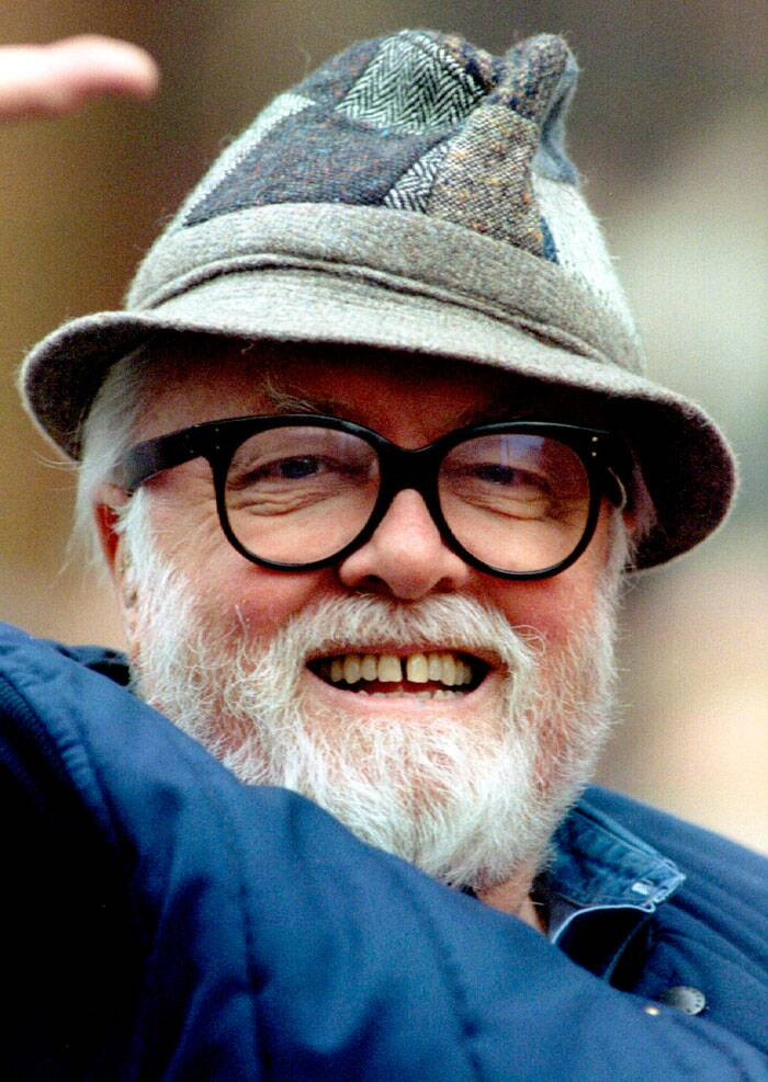 Richard Attenborough, who spent two decades trying to persuade sceptical movie moguls to back a tribute to Mahatma Gandhi and eventually created one of the most successful films of all time, died on Sunday (August 24).  <br /><br /> British film director and actor Sir Richard Attenborough attends the London Christmas Parade, in this file picture taken November 27, 1994. (Source: Reuters)