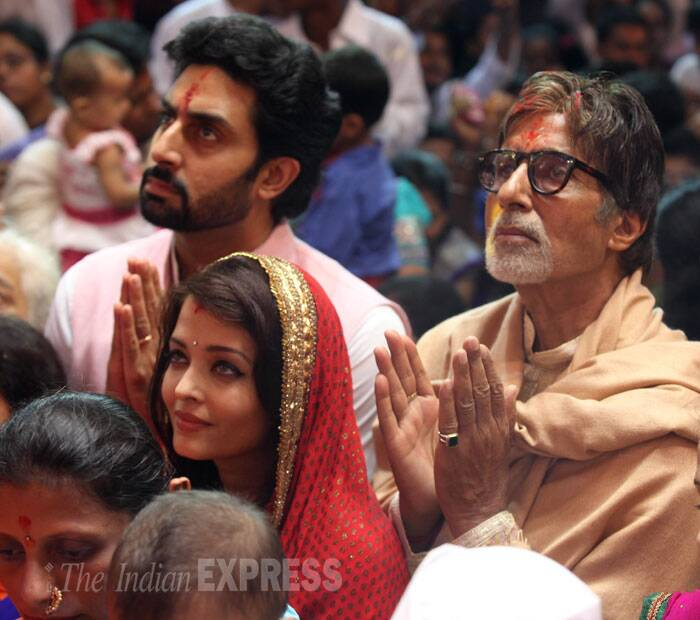 Megastar Amitabh Bachchan, along with son Abhishek and bahu Aishwarya Rai Bachchan, visited the famous Lalbaugcha Raja in Mumbai on Saturday for Ganpati's evening aarti during the ongoing Ganesh Chaturthi. (Source: Express photo by Prashant Nadkar)