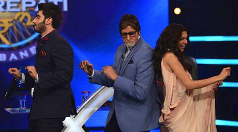 Big B is seen dancing with Deepika Padukone and Arjun Kapoor.