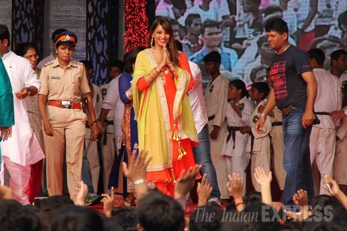 Bengali actress Bipasha Basu was also seen at another dahi handi celebrations in the city. (Source: Varinder Chawla)