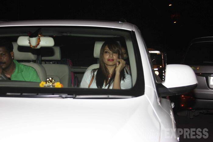 Bipasha Basu added a pop of colour with her red lipstick.  (Source: Varinder Chawla)