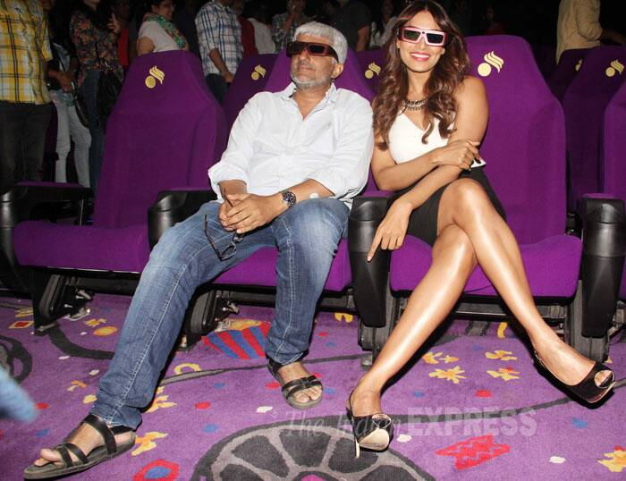 The actress checked out the 3D trailer with filmmaker Vikram Bhatt. (Source: Varinder Chawla)