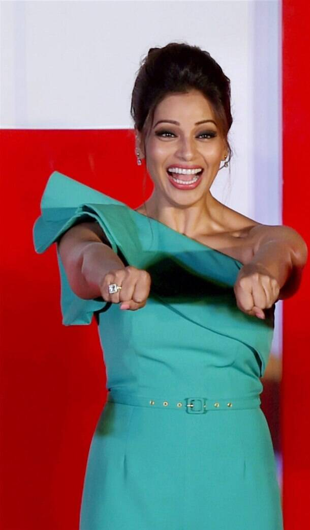 Watch out for Hrithik, Bipasha is a sport