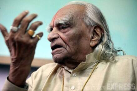 Yoga legend BKS Iyengar dies at 96