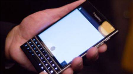 BlackBerry to turn back to QWERTY