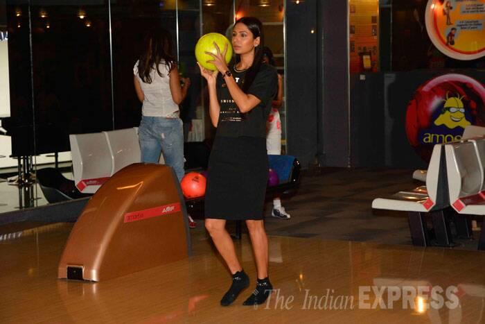 Candice Pinto tries her hand at some bowling. (Source: Varinder Chawla)
