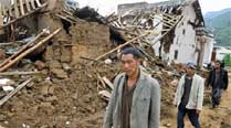 Lakes formed by quake in China threatenflooding