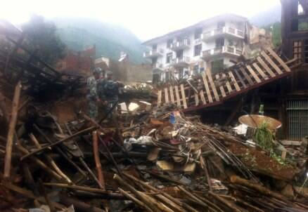 Strong earthquake kills 381 in China