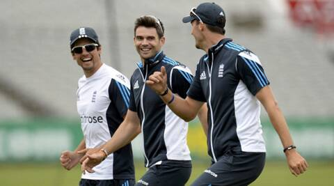 Alastair Cook trains with James Anderson and Steve Finn. (Source: Reuters)