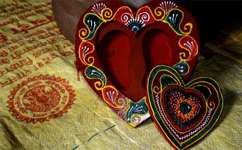 A heart-shaped box made of beautiful henna like patterns (Source: Swasti Pachauri)