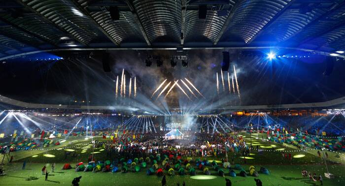 Fireworks explode at the end of the Closing Ceremony for the Commonwealth Games Glasgow 2014, at Hampden Park stadium, in Glasgow, Scotland. (Source: AP)