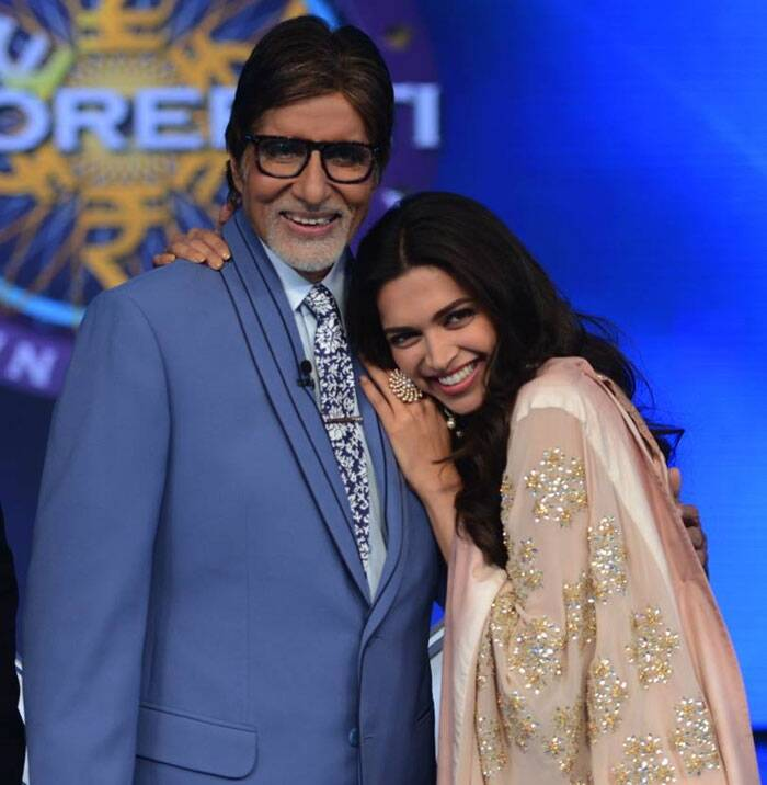 After shooting with them, Amitabh Bachchan took to his blog to not just share some photographs, but also to share his experience. <br /> Deepika hugs Amitabh Bachchan. (Source: Amitabh Bachchan blog/ FB/ Twitter)