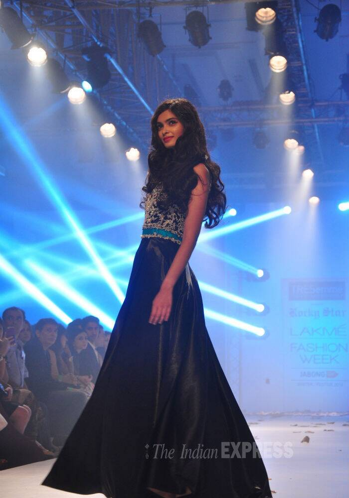 'Cocktail' actress Diana Penty was a stunner on the ramp as she walked for designer Rocky S on Day 4 of the Lakme Fashion Week Winter/Festive 2014 in Mumbai. (Source: Varinder Chawla)