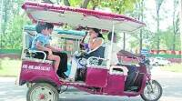 E-rickshaws ply on city roads unhindered , UT officials stay undecided