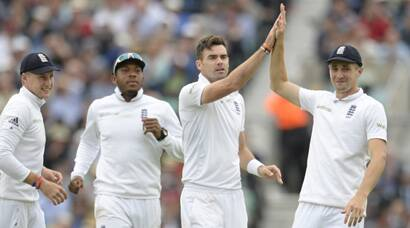 England pacers rattle India at the Oval